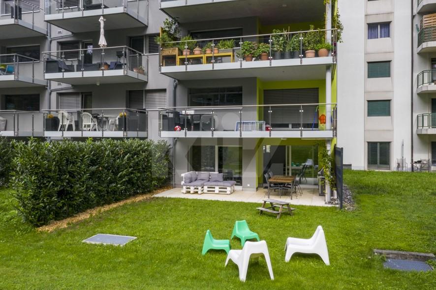 Superbe appartement aux finitions soignées avec beau jardin - 12