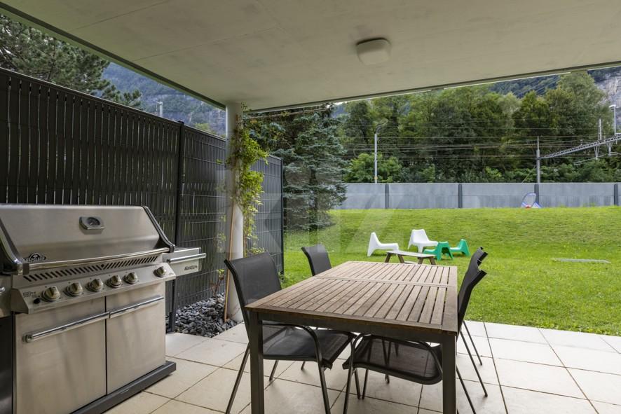 Superbe appartement aux finitions soignées avec beau jardin - 11