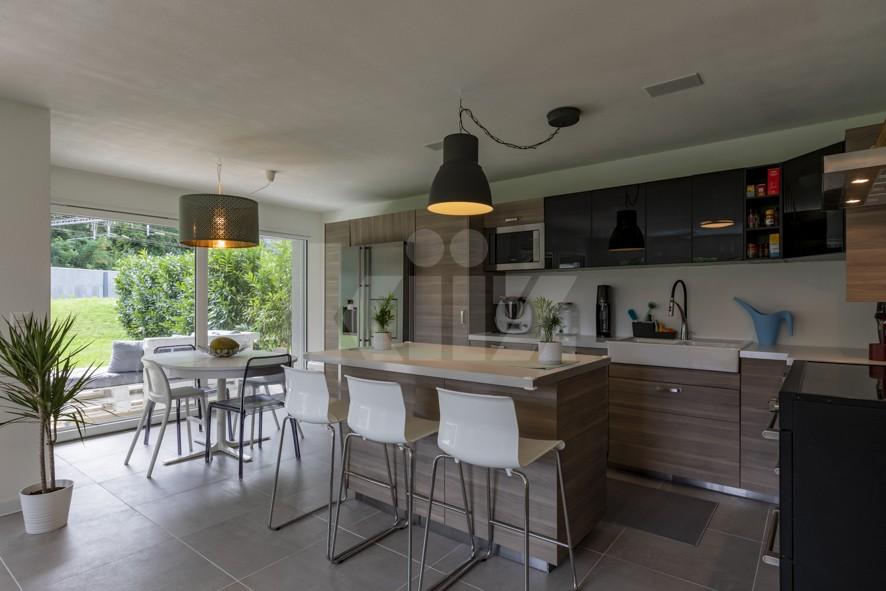Superbe appartement aux finitions soignées avec beau jardin - 4
