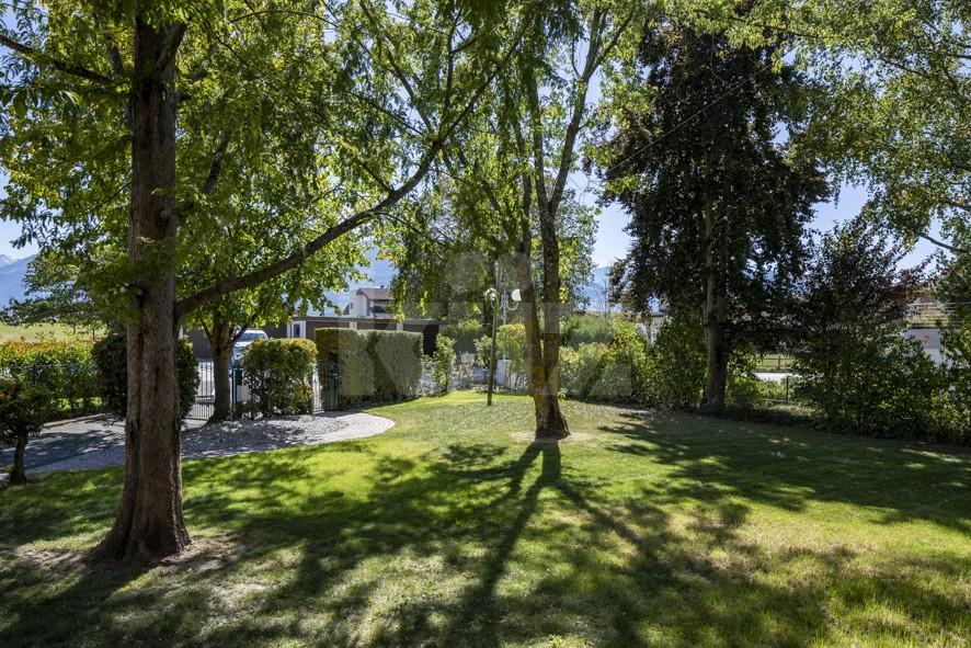 Grosszügiges Einfamilienhaus umgeben von einem 1350 m2 gross - 3