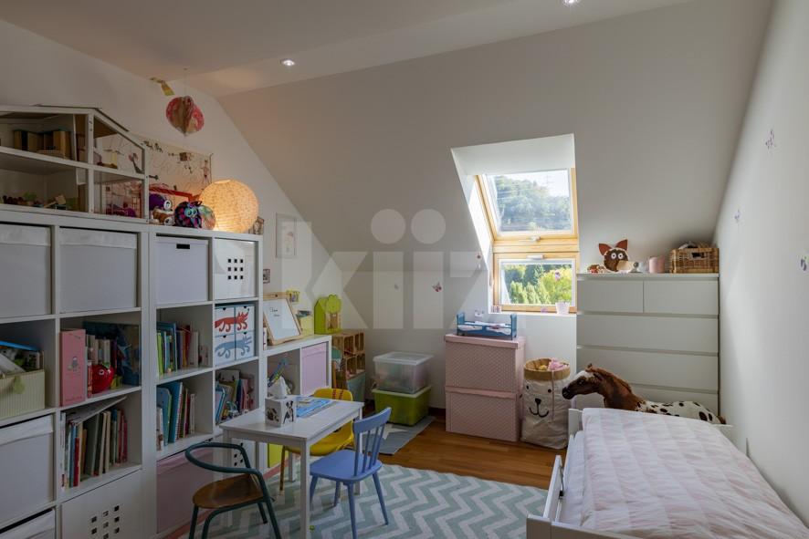 VENDU! Très bel appartement moderne et chaleureux - 9