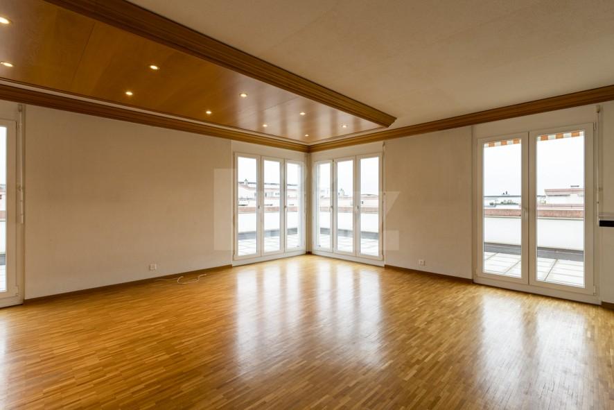 Vendu! Grand attique avec terrasse phénoménale - 3