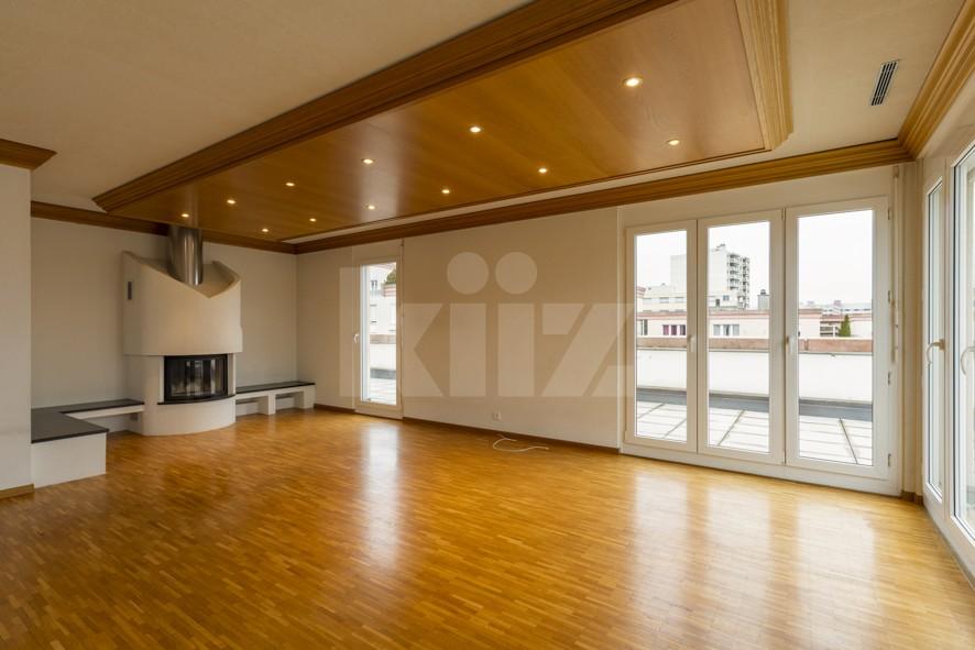 Vendu! Grand attique avec terrasse phénoménale - 2