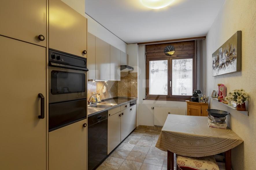 VENDU! Bel appartement avec cheminée - 6