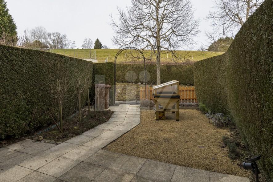 Très belle villa contiguë avec charmant jardin privatif - 11