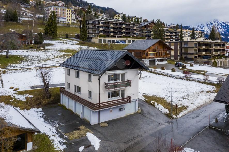 VENDU ! Joli petit immeuble de deux appartements de 4 pièces - 1