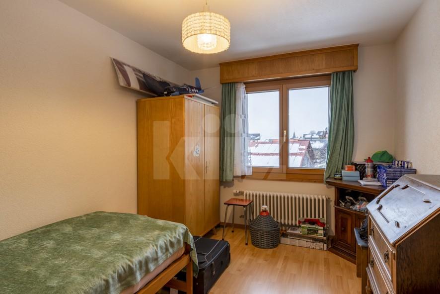 VENDU ! Joli petit immeuble de deux appartements de 4 pièces - 8