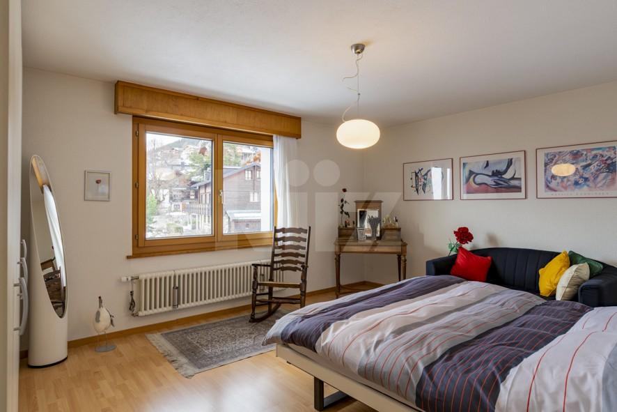 VENDU ! Joli petit immeuble de deux appartements de 4 pièces - 7
