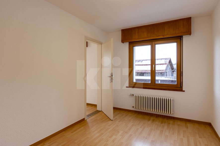 VENDU ! Joli petit immeuble de deux appartements de 4 pièces - 11