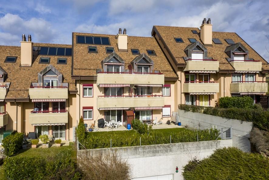 Magnifique appartement entièrement rénové avec jardin - 1