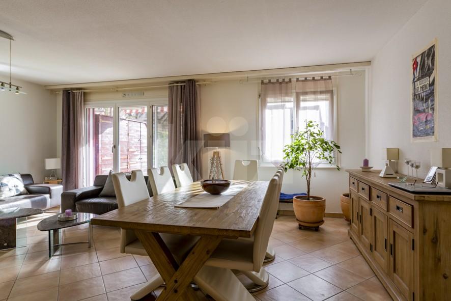 Magnifique appartement entièrement rénové avec jardin - 3