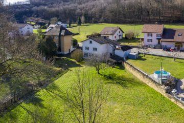 Charmante villa familiale avec magnifique jardin bucolique