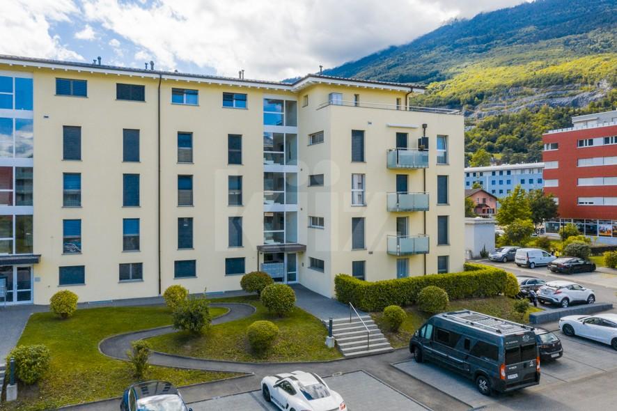 Très bel appartement spacieux avec large terrasse couverte - 12