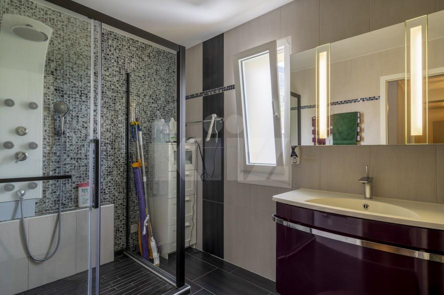 Très bel appartement spacieux avec large terrasse couverte - 5