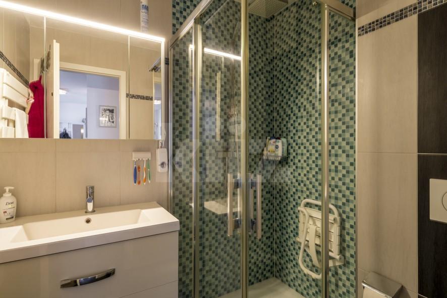 Très bel appartement spacieux avec large terrasse couverte - 10