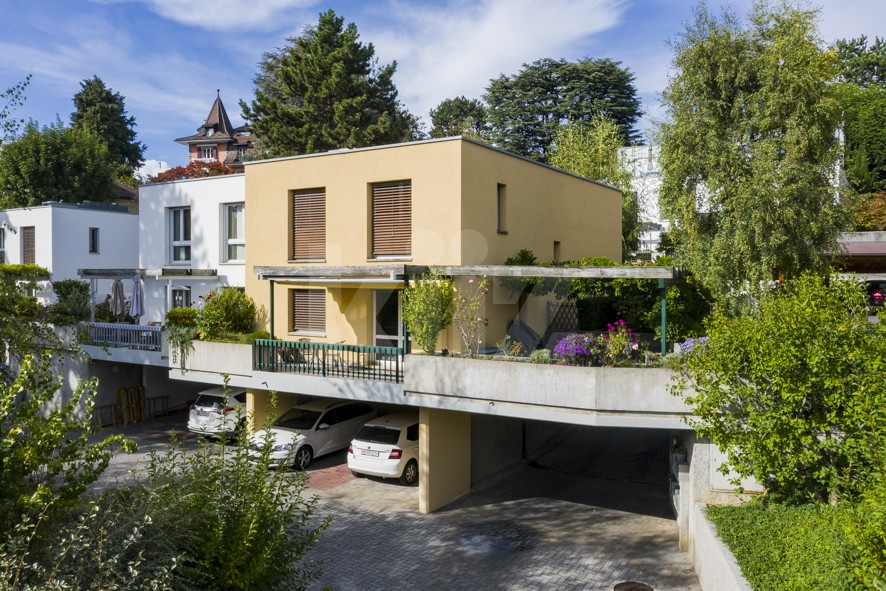 Vendu! Charmante villa mitoyenne avec terrasses et jardin - 1