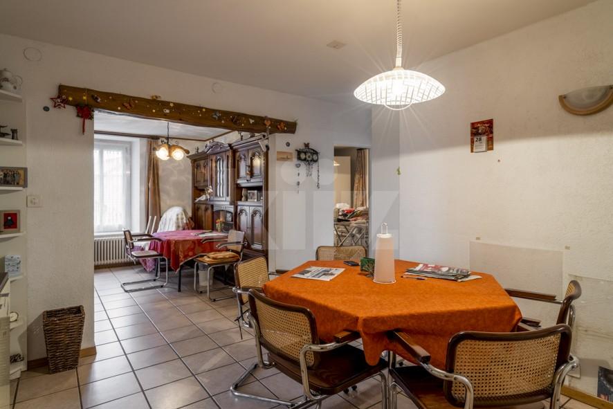 Maison villageoise de deux appartements - 4
