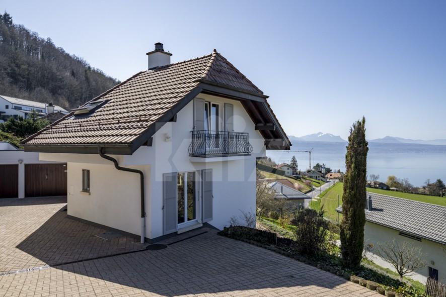 Splendide villa avec vue panoramique sur le lac - 12
