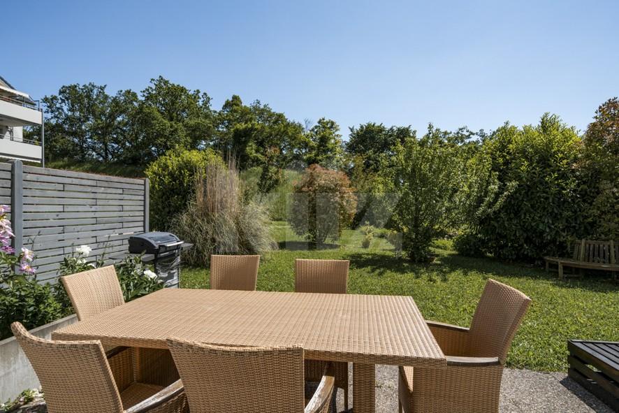 Belle villa avec jardin - 10