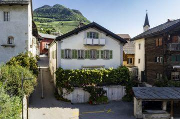 Charmante maison villageoise avec vue sur les montagnes