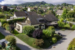 Accueillante villa familiale avec jardin