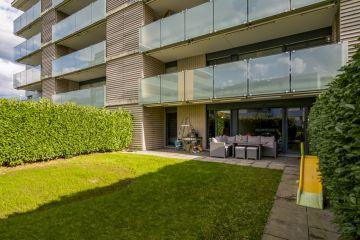 Très bel appartement traversant avec terrasse et jardin